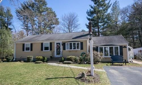 35 Coolidge Rd, Norwell, MA 02061