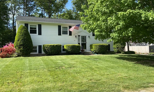 3 bedroom ranch for sale in Holliston, MA
