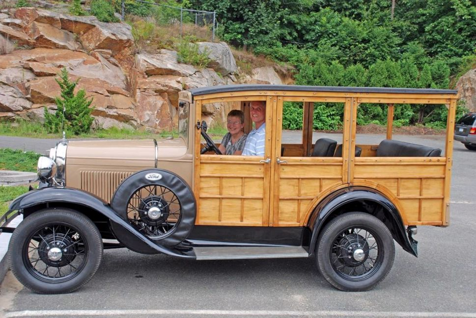 1931 Station Wagon Model A Ford in 2009 (auto-resized from 1099x736)
