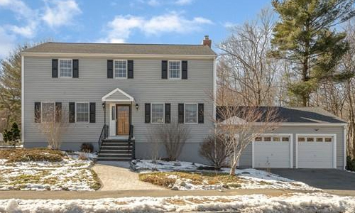 38 Holland Road, Wakefield, MA 01880