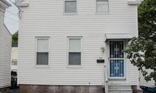16 1/2 Symonds Street, Salem, MA 01970