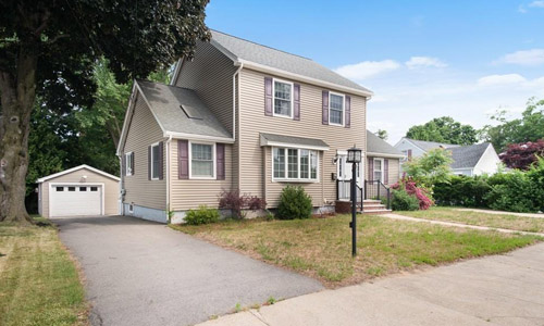 121 Mount Vernon St Lawrence, MA 01843