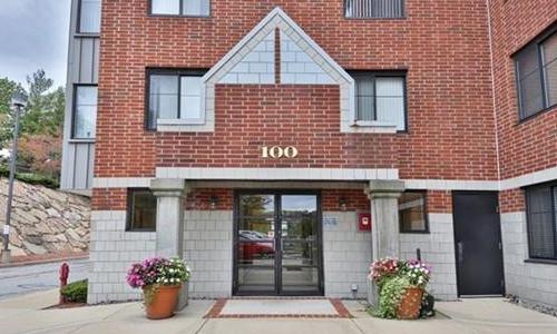 100 Ledgewood Dr, Unit 117, Stoneham, MA 02180