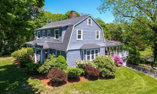 Detached Grey Colonial, Gambrel for sale in Reading, MA - exterior of property shown