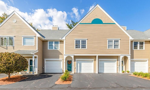 Two bedroom low rise condo for sale in North Reading, MA - exterior of home shown