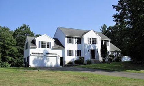138 Orcutt Drive, Chester, NH. 03036