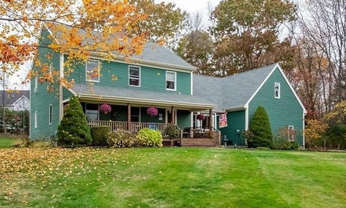 Four bedroom colonial style home sold in Dover NH - exterior of of home shown