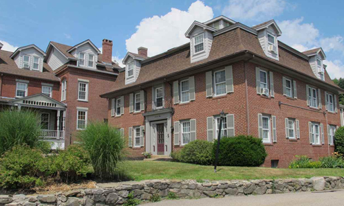 709 Central, Dover, NH 03820