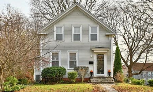39 E Bacon Street, Plainville, MA 02762