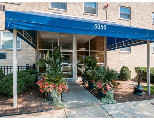 5050 Washington St, Unit 562, Boston, MA 02132