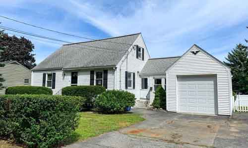84 Redfield Road Wakefield, MA 01880