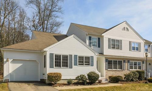 Three bedroom condo for sale in Franklin, MA
