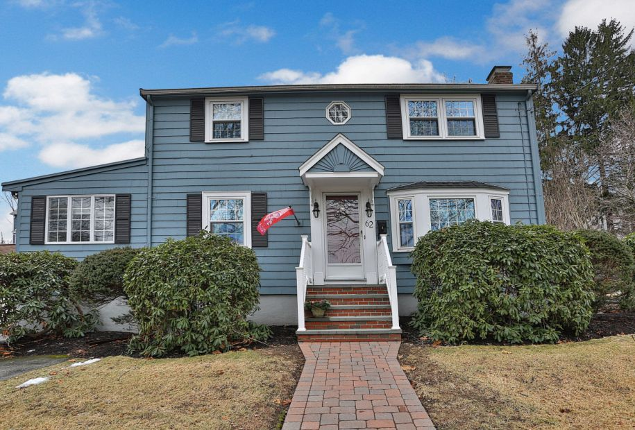 Featured Home for Sale - 62 Sycamore Road, Melrose, MA - The Kim Perrotti Team - RE/MAX Leading Edge