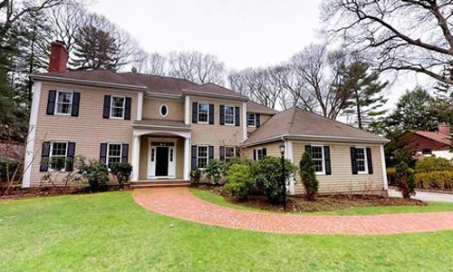 Detached Beige Colonial