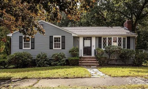 10 Brentwood Drive, Reading, MA 01867