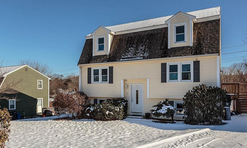 3 BR Detached Gambrel sold in Haverhill, MA - exterior of property shown